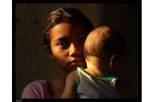 nina nicaragua con su bebe